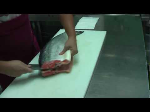 Разделка лосося / Оброблення лосося HD