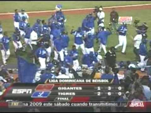 GC vs L Jan 16 2009 walk off hit Erick Aybar turno completito Video