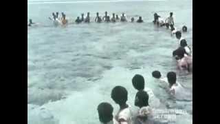 Two Men of Fiji pt. 2 - Giant Net Fishing