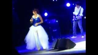 Прикол на концерте МакSим в Екатеринбурге