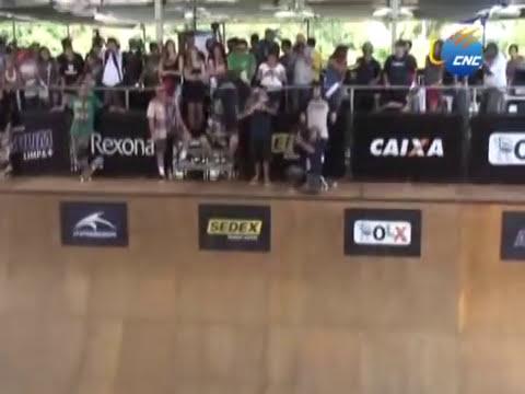 Concurso de patinetas en rampa