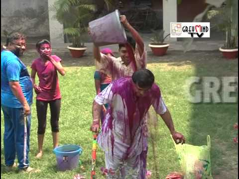 Exclusive: Sourav Ganguly plays Holi at home...