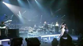 Laura Pausini Live In Paris 05- 1