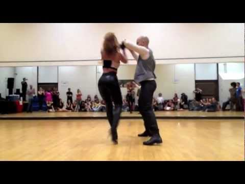 Ataca y La Alemana Promise bachata dance video