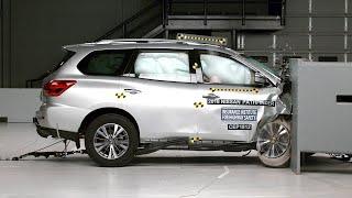 2018 Nissan Pathfinder passenger-side small overlap IIHS crash test