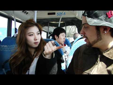 Canadá - Coreana falando Português 02-04-2011