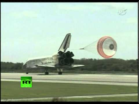 Farewell Discovery: Space shuttle