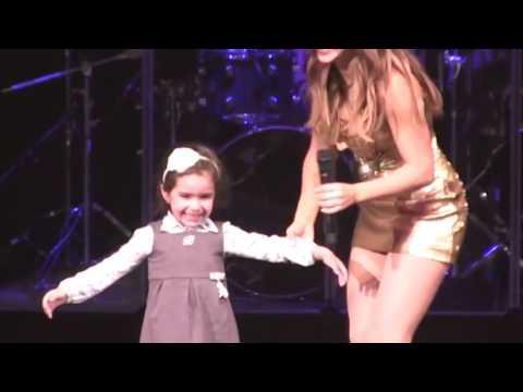 Ани Лорак с дочерью Софией на концерте в Майами. Сергей Лазарев на концерте Ани Лорак в Майами