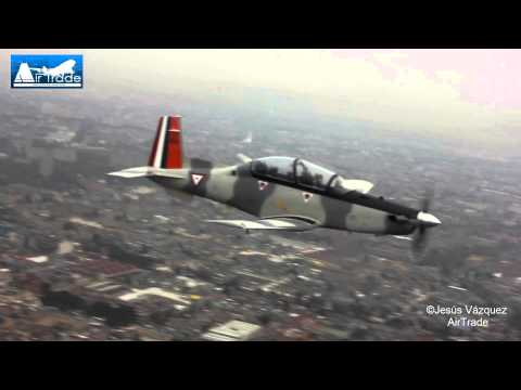 Desfile Militar  2013  Fuerza Aerea Mexicana  sobre  la Cd  de México  Texan II  Watch in HD