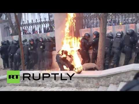 Ukraine: Police get a hammering from petrol bomb protesters