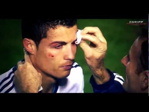 Cristiano Ronaldo - Injury (takes an elbow to the eye) vs. Levante 11.11.2012 HD