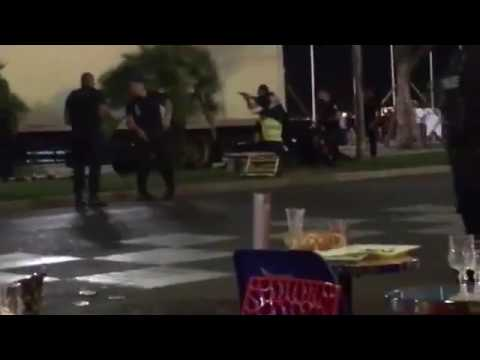 Un video muestra el preciso momento en que abaten al autor de la masacre en Niza