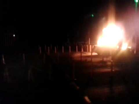 Car caught fire on Pune-Mumbai eway    MPC News   Pune   PimpriChinchwad
