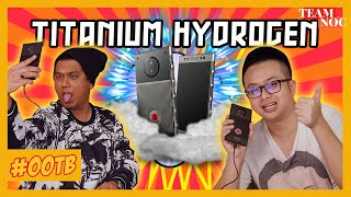 OUT OF THE BOX: RED Hydrogen One