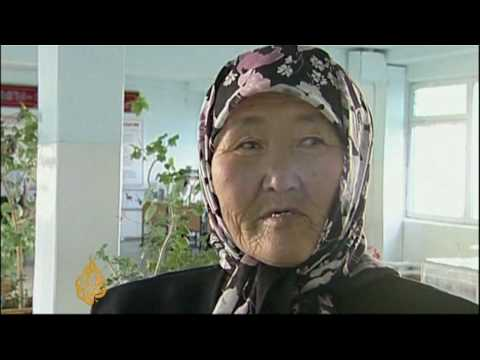 Kyrgyz voters approve new constitution