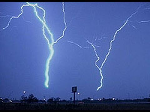 Amazing Lightning Storm Strikes 8 Times !! Exclusive Video.... video