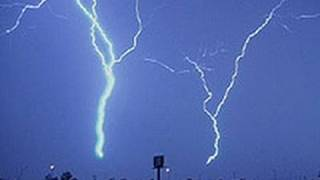 AMAZING Lightning Storm strikes 8 Times !! Exclusive Video....