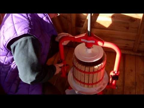 How to Crush Apples & Fruit using Apple Cider Press