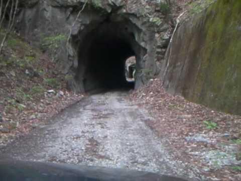 逆川林道二号・一号隧道連続(栃木県日光市、川治温泉、龍王峡上流)
