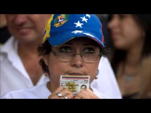Venezuelans start signature drive for recall referendum
