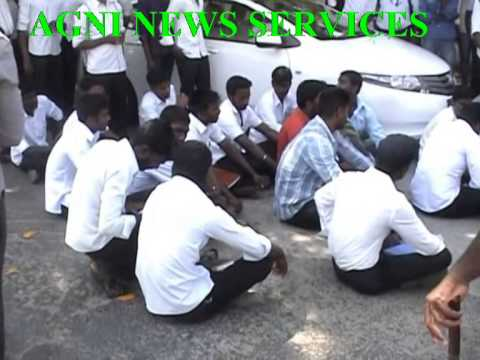 PUDUCHERRY .. LAW COLLEGE STUDENTS PROTEST AGAINST POLICE FILING FALSE CASES