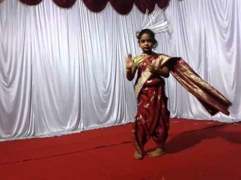 Annus Ganapati Dance Dayya Re Dayya Chad Gayo Papi Bichua