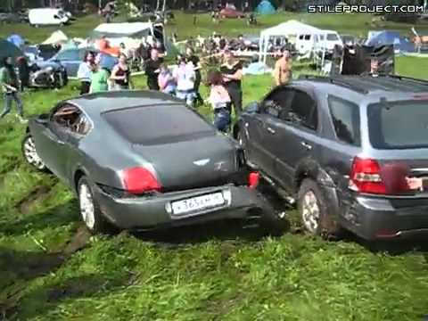 moron ruins his Bentley trying to show off   Crashes   Accidents   StileProject com