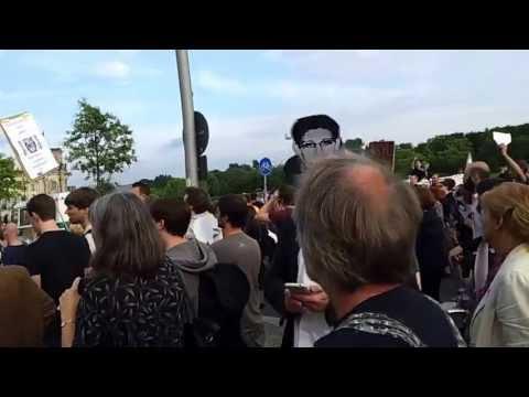 04.07.2013 Berlin. Demo for Support of Snowden, Manning, Assange