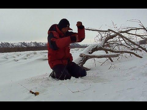ЭТО КРОКОДИЛ!!! ТОЛЬКО НЕ ОТОРВИ МОНСТР!!!! Трофейная рыбалка по первому льду! ШОК!