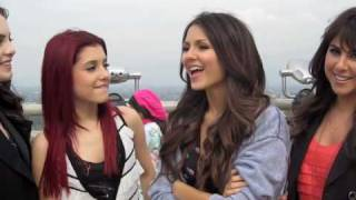 "Girls of ""Victorious"": Cast Secrets!"