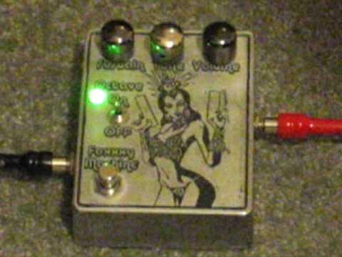 DIY Guitar Effects Pedal Demo - Foxx Tone Machine Clone - Foxxxy Machine