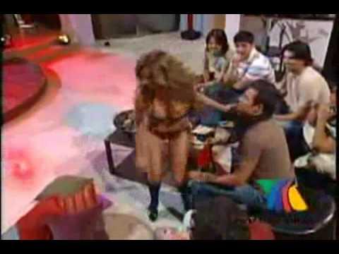 Striptease de las chicas de Suegras