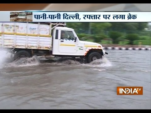 Heavy rain in floods roads in various parts of Delhi-NCR