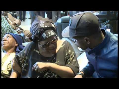 Décès Papa Wemba - Arrivée de maman Rosa Amazone (sa femme) à Abidjan...