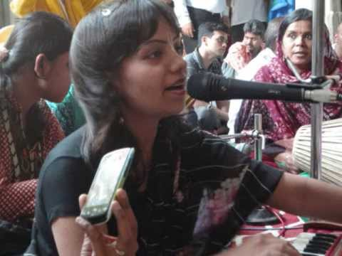 Mathura Vasi Devi Dasi (meghna Choudhury)  Iskcon Mumbai Temple Kirtan May 2013 video