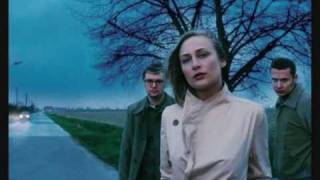 Watch Hooverphonic Someone video