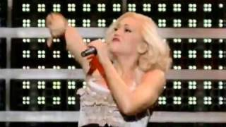 Клип Gwen Stefani - What You Waiting For? (live)
