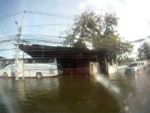 Bangkok flood canal 3