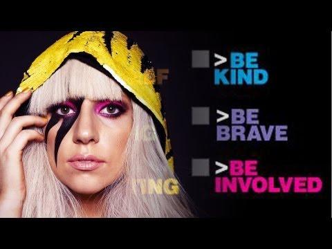 Lady Gaga Acusada de Volver a Jóvenes Gays. Suscríbete! bit.ly Facebook! ...