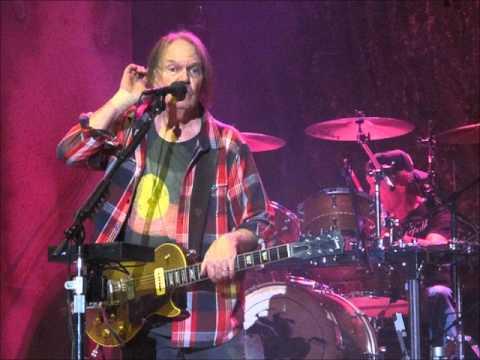 Driftin' Back ~ Neil Young & Crazy Horse