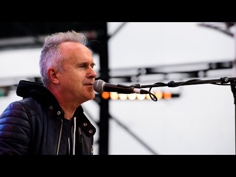 Howard Jones - No One Is To Blame (live on the Ken Bruce show)
