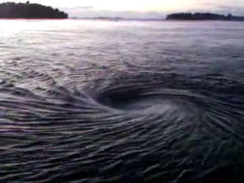 remolino de agua youtube