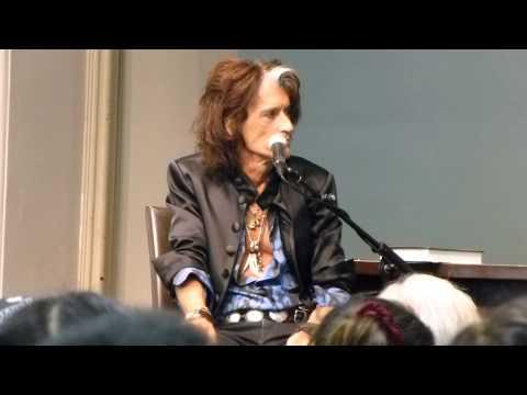 JOE PERRY Aerosmith Guitarist BOOK Release ROCKS Q & A in Barnes & Noble NY Oct 7,2014 Part 1