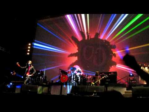 PRIMAL SCREAM- 'MOVIN' ON UP' SCREAMADELICA LIVE- OLYMPIA 27/11/10