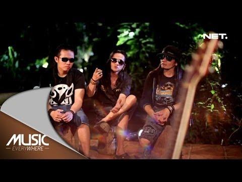 download lagu Jamrud - Telat Tiga Bulan - Spesial Yout gratis