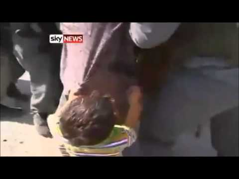 5 Year Old Palestinian Child Begs To Israeli Soldiers For Father-flv