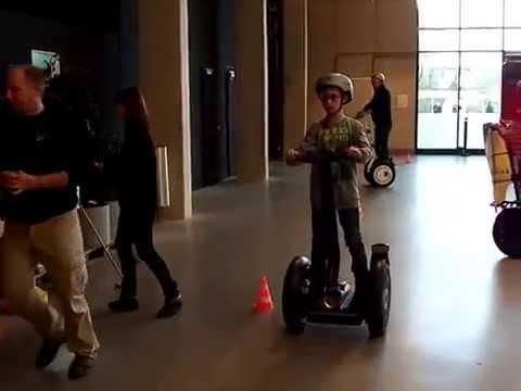 Segway fahren auf unserem Parcour auf der Motorradmesse