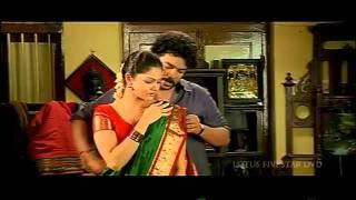 Anuya navel show in red saree - Nagaram movie - hot videos - YouTube.flv