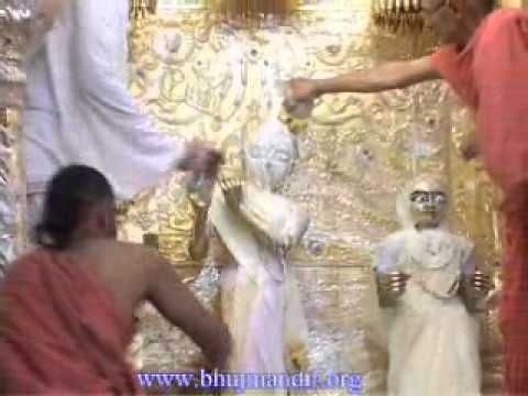 Bhuj Shree RadhaKrishna Dev Mahotsav 2011 - RadhaKrishna Dev Abhishekh