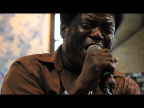 Charles Bradley - The World Is Going Up In Flames